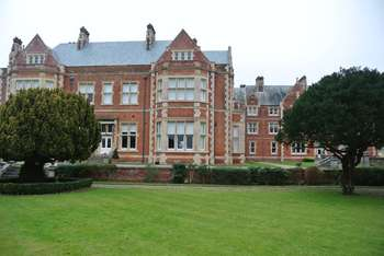 1 Bedroom Flat for sale in East Wing, Caldecote Hall Drive, Nuneaton