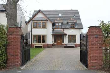 5 Bedrooms Detached House for sale in Stockydale Road, Blackpool