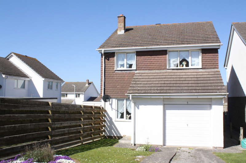 3 Bedrooms Detached House for sale in Sunderland Close, Turnchapel.