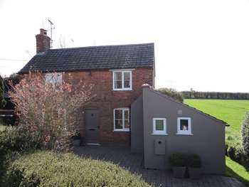 2 Bedrooms Cottage House for sale in Mill Road, Kings Lynn