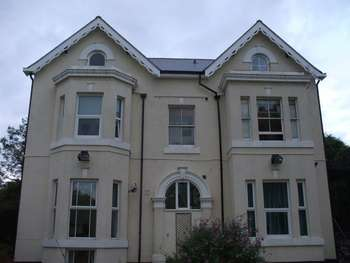 1 Bedroom Flat for sale in Broomleasowe House, Whittington Husrt, nr Lichfield