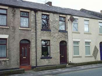 3 Bedrooms Terraced House for sale in Halifax Road, Rochdale