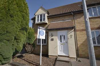 2 Bedrooms Semi Detached House for sale in Hester Place, Burnham-On-Crouch