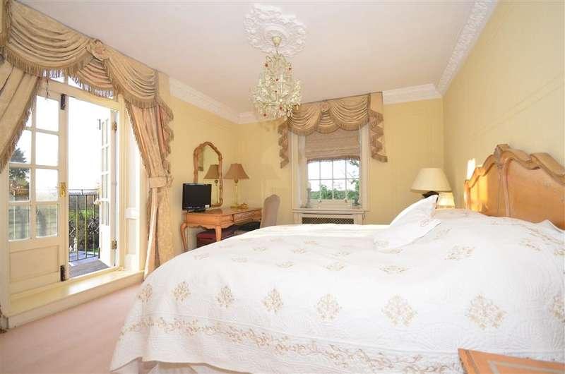 4 Bedrooms Unique Property for sale in Castledon Road, Downham, Billericay, Essex