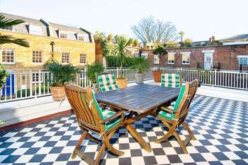 2 Bedrooms Flat for sale in Roman Way, Islington, London, N7
