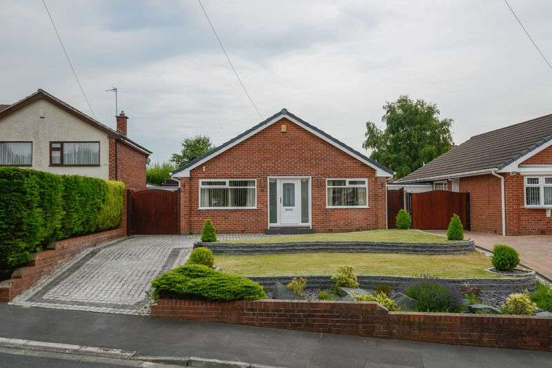 3 Bedrooms Detached Bungalow for sale in Ennerdale Drive, Aughton