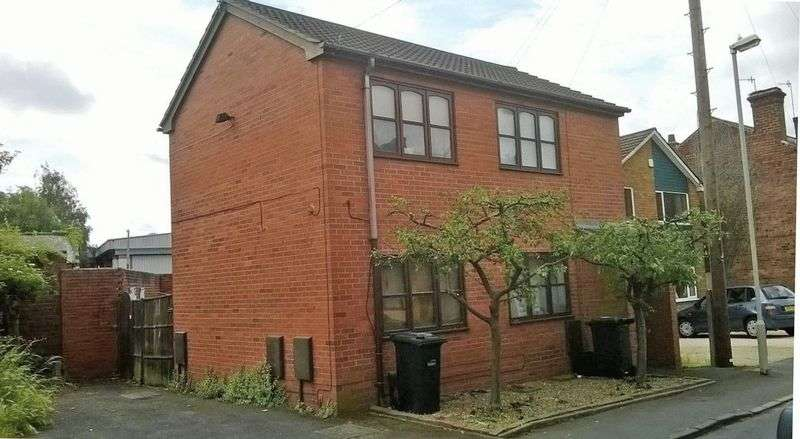 1 Bedroom Flat for sale in WORDSLEY, Stewkins
