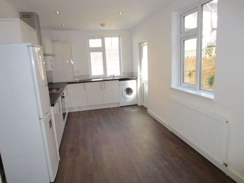 3 Bedrooms Terraced House for sale in Wells Street Riverside Cardiff CF11 6DX