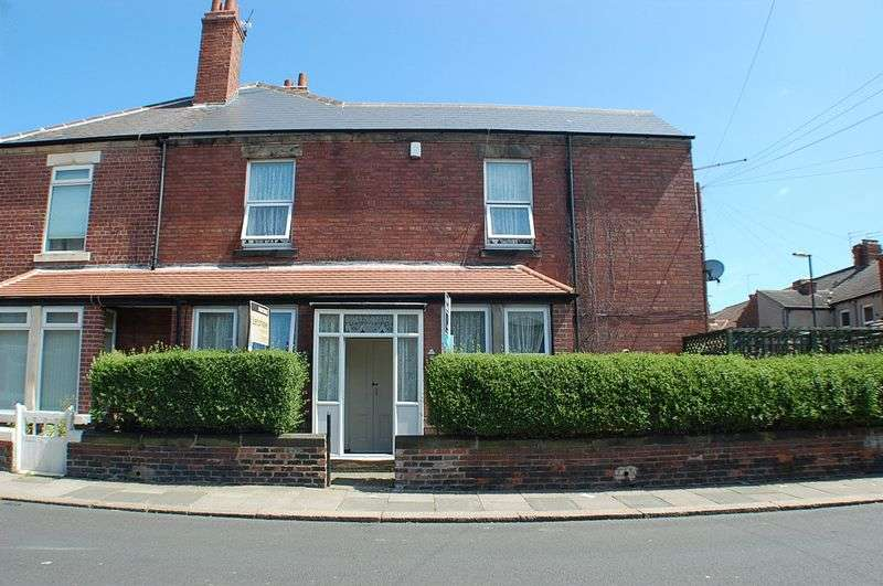 2 Bedrooms Terraced House for sale in ** PERIOD STYLE INTERIOR ** Shakespeare Street, Wallsend