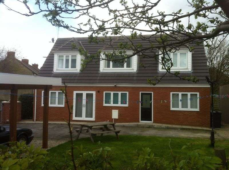 4 Bedrooms Detached Bungalow for sale in Garbutt Street, Shildon