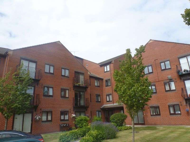 2 Bedrooms Flat for sale in St. Pauls Street, Southport