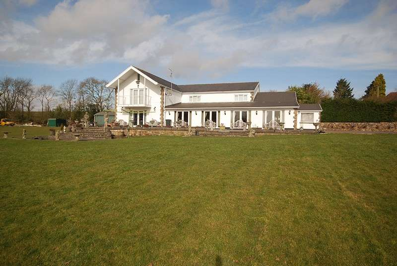 6 Bedrooms Detached House for sale in Sluvad Road, New Inn, Pontypool, Monmouthshire. NP4 0SX