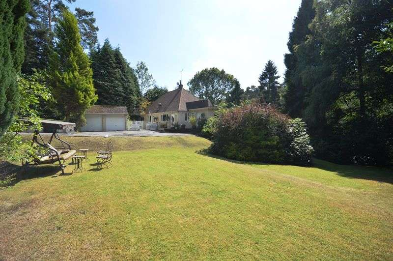 3 Bedrooms Detached House for sale in Whitmore Vale, Grayshott