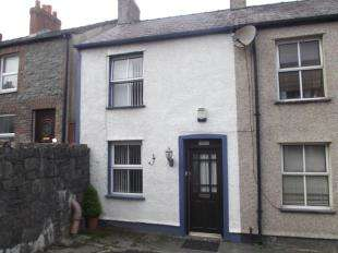 2 Bedrooms Terraced House for sale in Victoria Square, Bangor, Gwynedd, LL57