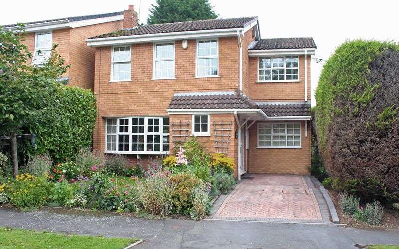 4 Bedrooms Detached House for sale in SWINDON, The Holloway