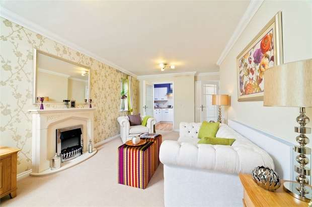 2 Bedrooms Flat for sale in Churchill Retirement Living, Ash Lodge, Churchfield Road, WALTON-ON-THAMES