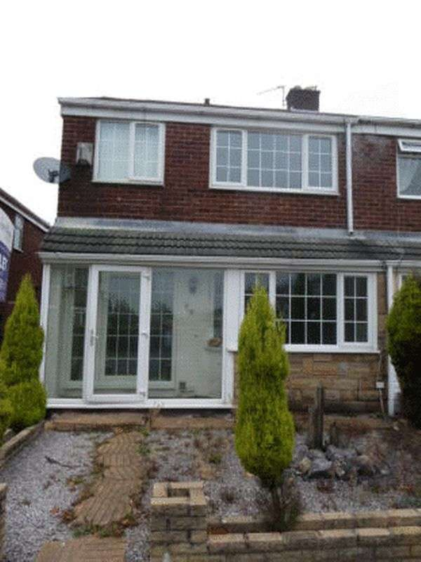 3 Bedrooms Semi Detached House for sale in St. Albans Avenue, Ashton-Under-Lyne