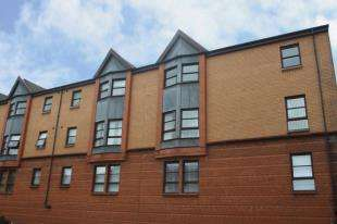 2 Bedrooms Flat for sale in Regent Street, Greenock