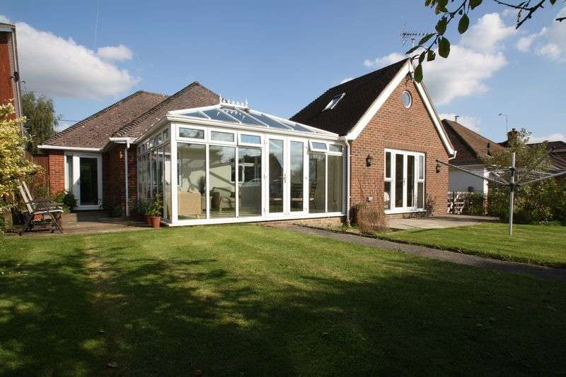 3 Bedrooms Detached Bungalow for sale in Swanmore, Chapel Road