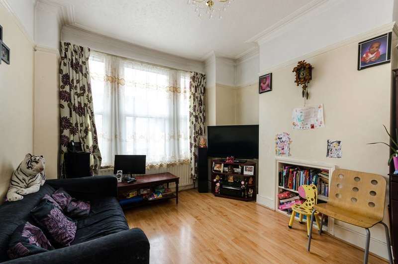 3 Bedrooms Maisonette Flat for sale in Tynemouth Road, Tooting, CR4