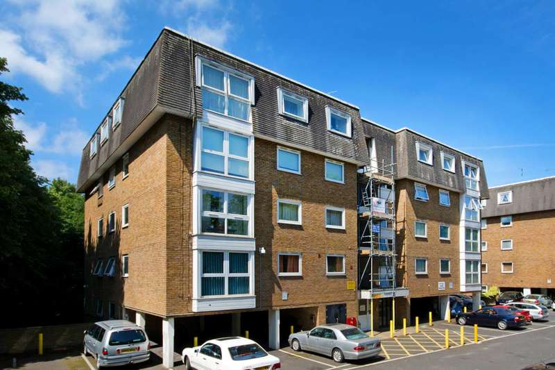 2 Bedrooms Flat for sale in Beulah Hill, Crystal Palace, SE19
