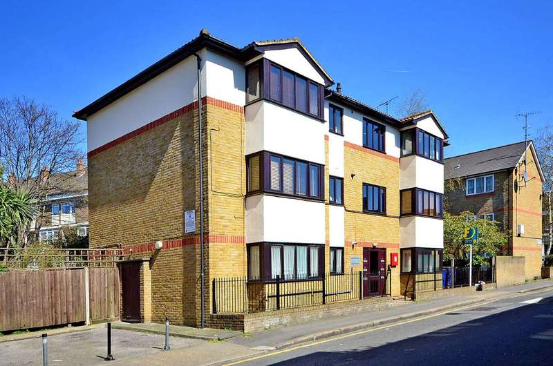 1 Bedroom Flat for sale in Brixton Station Road, Brixton, SW9