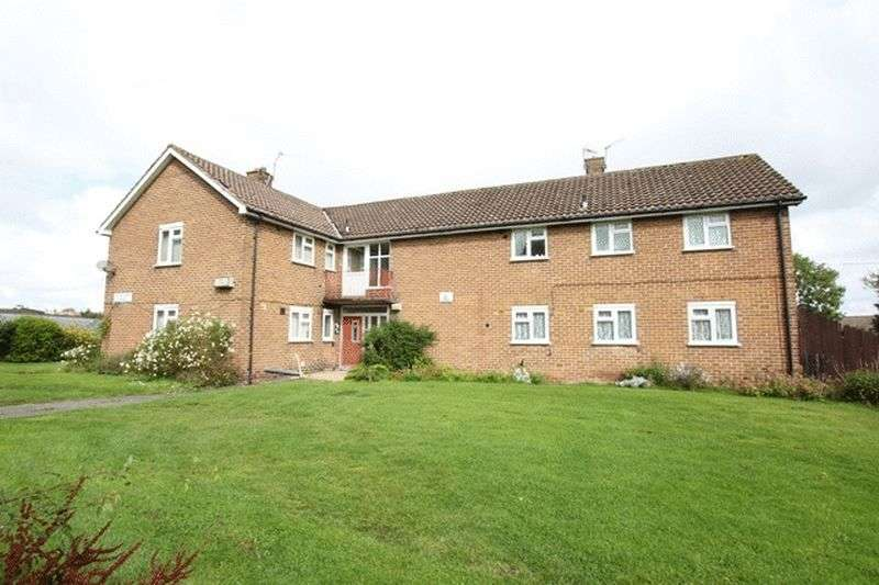 2 Bedrooms Flat for sale in Home Farm Road, Woodchurch, Wirral