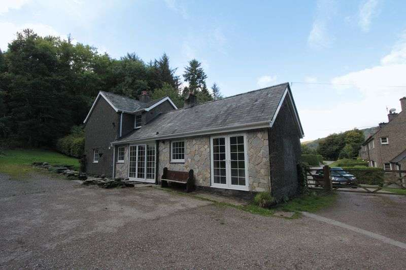 3 Bedrooms Detached House for sale in Coed Bonwm, Corwen