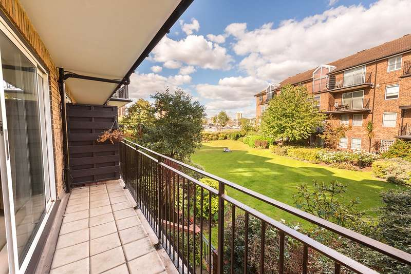 2 Bedrooms Flat for sale in Thorney Crescent, Morgans Walk, London, SW11