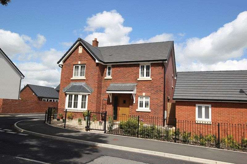4 Bedrooms Detached House for sale in LLANGUNNOR, CARMARTHEN
