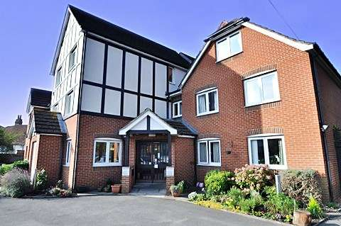 1 Bedroom Retirement Property for sale in Priory Court, Reading, RG4 7SN