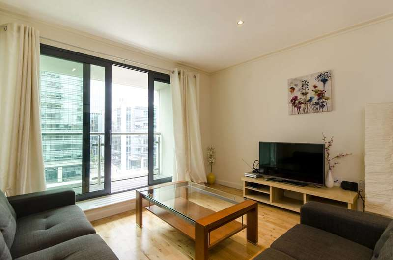 2 Bedrooms Flat for sale in Discovery Dock East, Isle Of Dogs, E14
