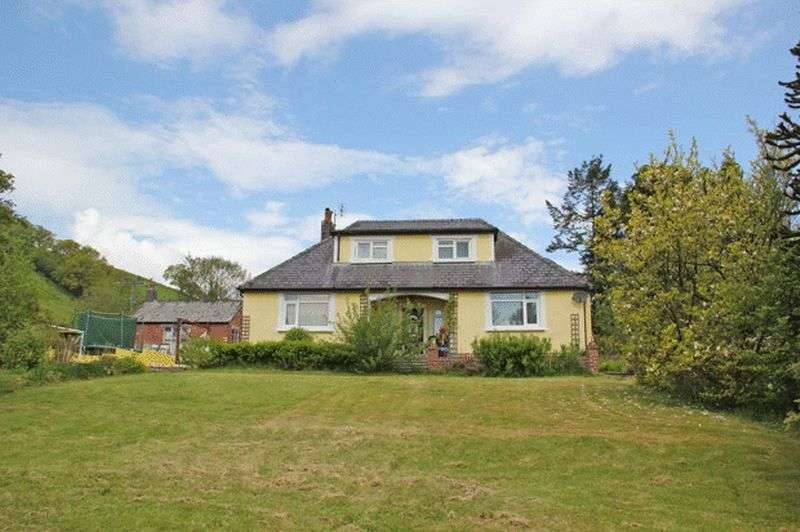 4 Bedrooms Property for sale in FELINGWM, CARMARTHEN
