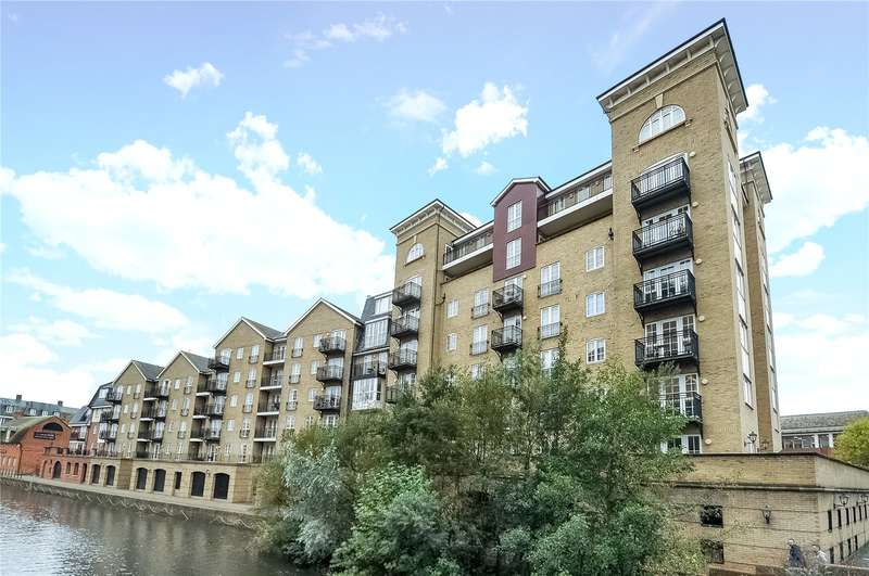 3 Bedrooms Apartment Flat for rent in Riverside House, Fobney Street, Reading, Berkshire, RG1