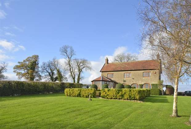 2 Bedrooms Detached House for sale in Top House, Chickwell Lane, Hemington, Somerset