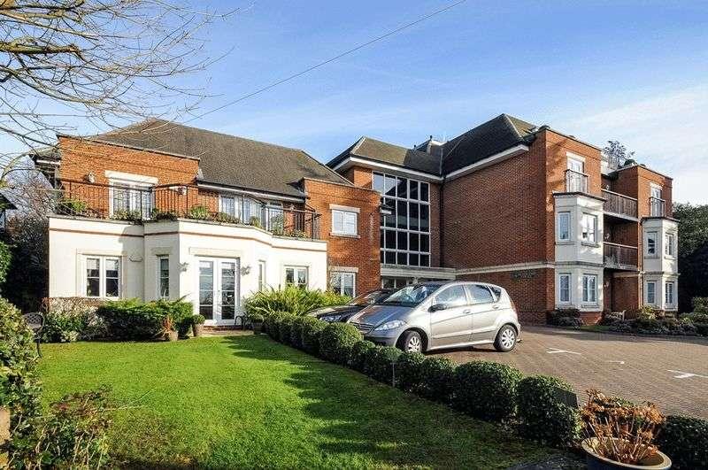 3 Bedrooms Flat for sale in Hive Road, Bushey Heath