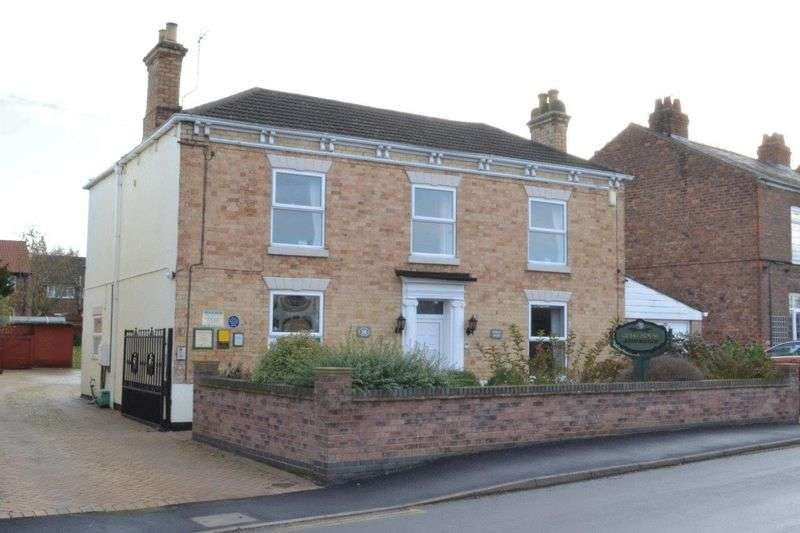 5 Bedrooms Detached House for sale in Queen Street, Epworth, Lincolnshire, DN9