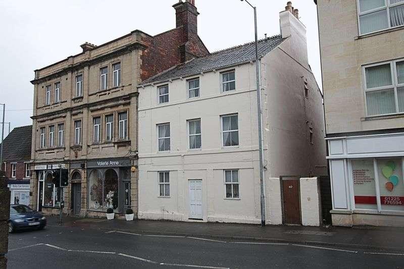 2 Bedrooms Flat for sale in Stallard Street, Trowbridge