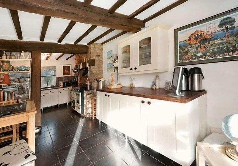 5 Bedrooms Detached House for sale in Equestrian Centre, Ellenwhorne Lane, Robertsbridge