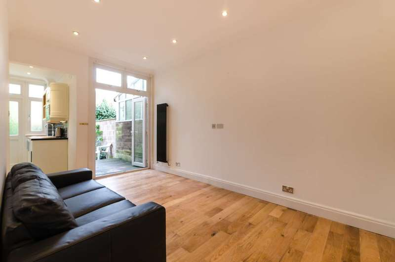 2 Bedrooms Flat for sale in Park Avenue, Tooting, CR4