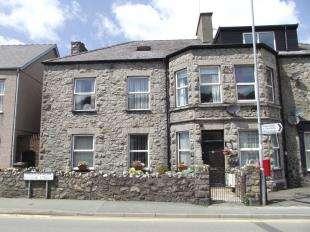 Semi Detached House for sale in Bangor Street, Bangor Street, Y Felinheli, Gwynedd, LL56