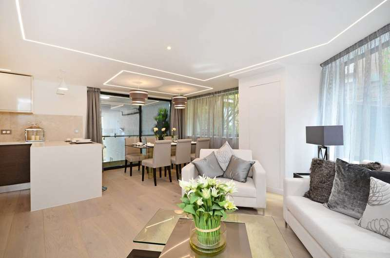 2 Bedrooms Flat for sale in Shelton Street, West End, WC2H
