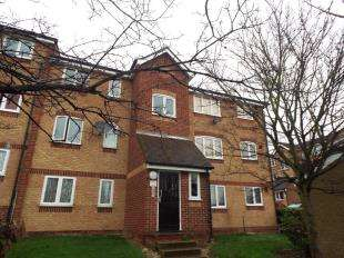 1 Bedroom Flat for sale in Oakhill Road, Purfleet, Essex