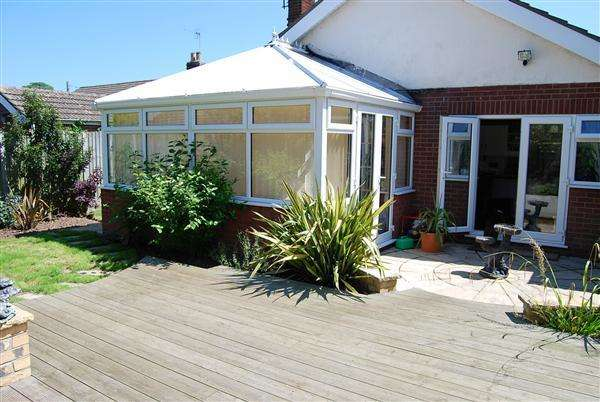 3 Bedrooms Bungalow for sale in Badgers Holt, Chapel Lane, Addlethorpe, Skegness
