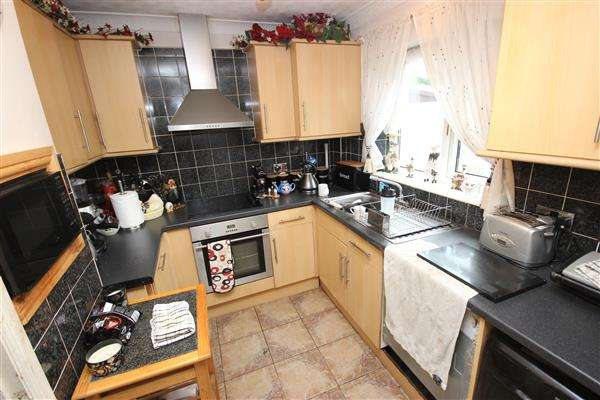 3 Bedrooms Detached House for sale in Delius Grove, Birches Head, Stoke-on-Trent