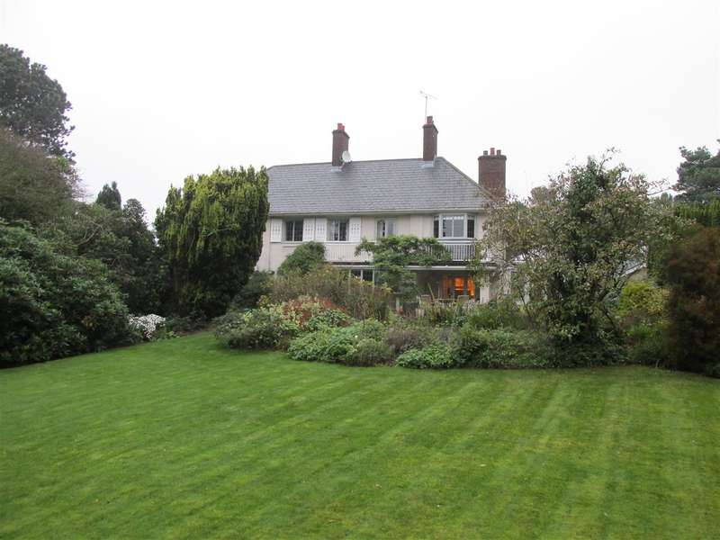 5 Bedrooms Detached House for sale in Hilthorpe, King's Drive, Caldy, Wirral