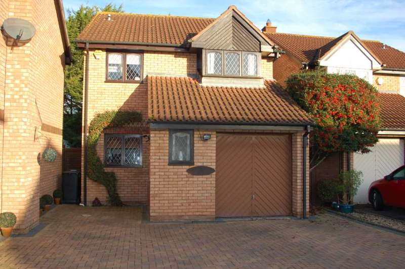 4 Bedrooms Detached House for sale in Tyne Park, Taunton