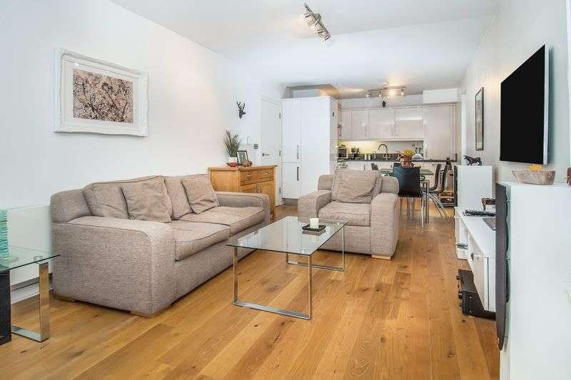 2 Bedrooms Flat for sale in Churchfield Road, London W3