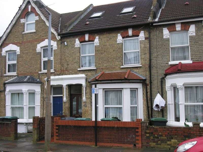 4 Bedrooms Terraced House for sale in Bowes Park, N22