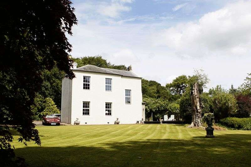 6 Bedrooms Detached House for sale in Impressive former Manse with approx 4.5 acres of grazing
